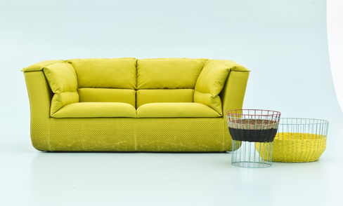 Delicieux Coat Armchair And Sofa Without Supports That Rest Directly Firmly On The  Floor Steady Despite Fact